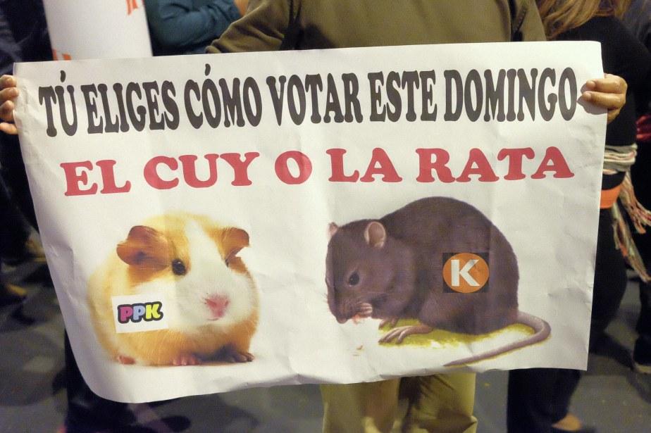 Carteles de la marcha: #KeikoNoVa, vol.3